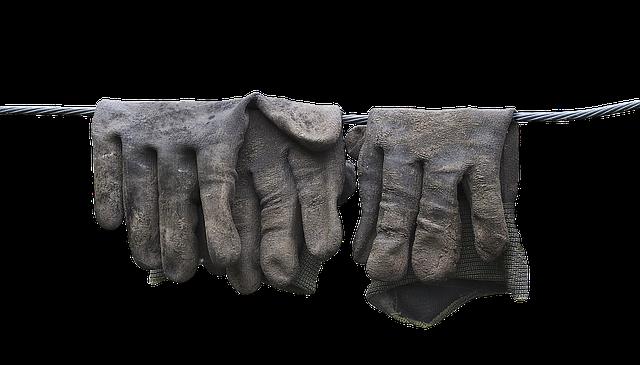 Správne pracovné rukavice – na čo by ste nemali zabúdať pri výbere?