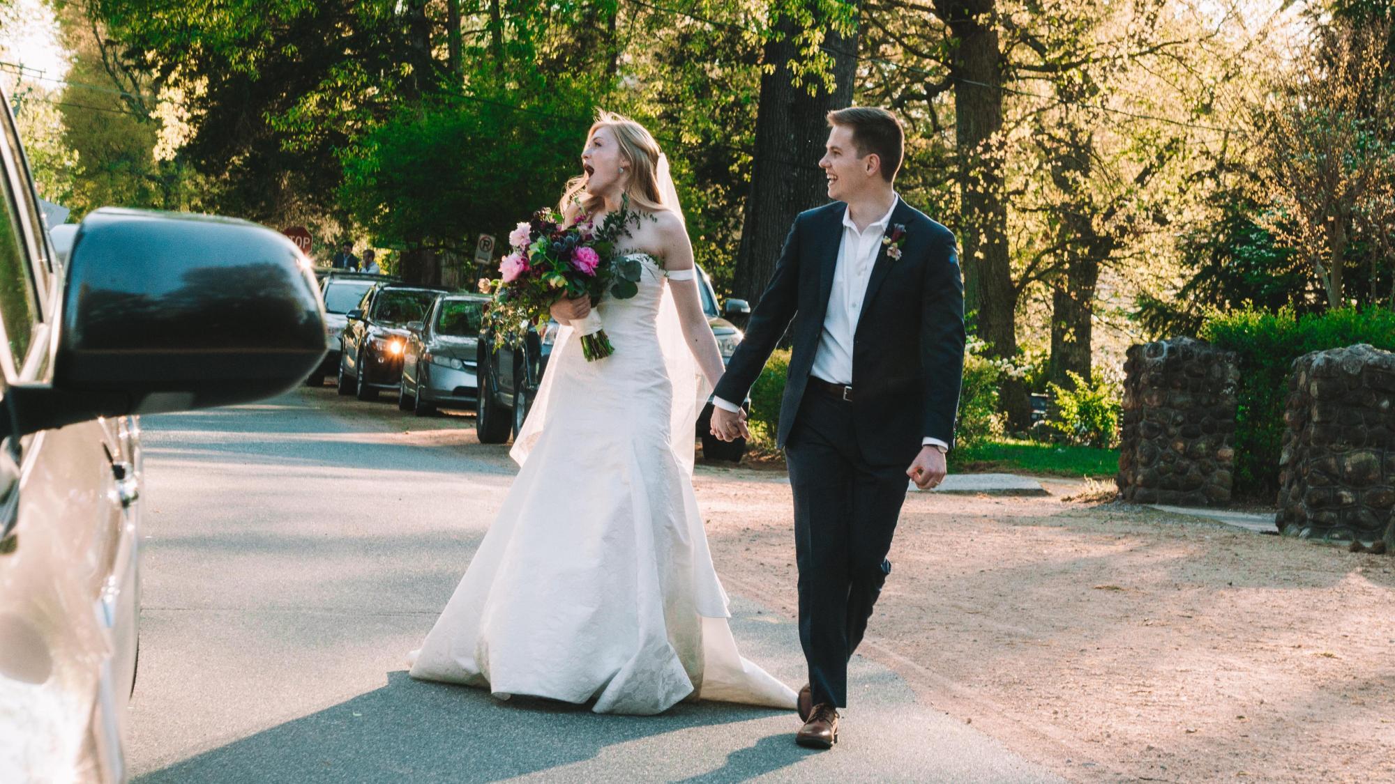 wedding-COVID-19-social-distancing-DMID1-5mp4yczem-2000x1125